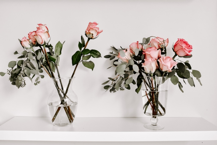 How To Turn Your Grocery Store Flowers Into Chic Arrangements