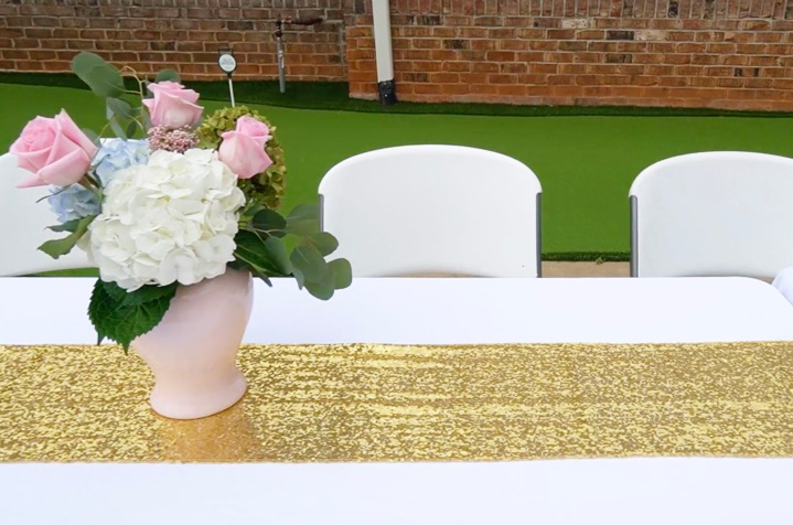 Outdoor Table-Gold Runners.jpg