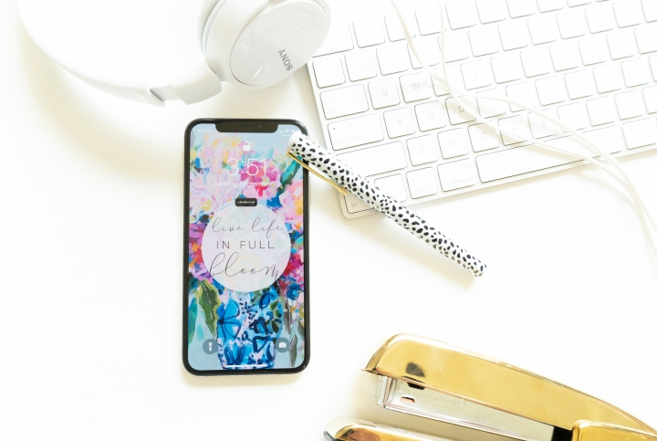 Life in Full Bloom Lock Screen Freebie!